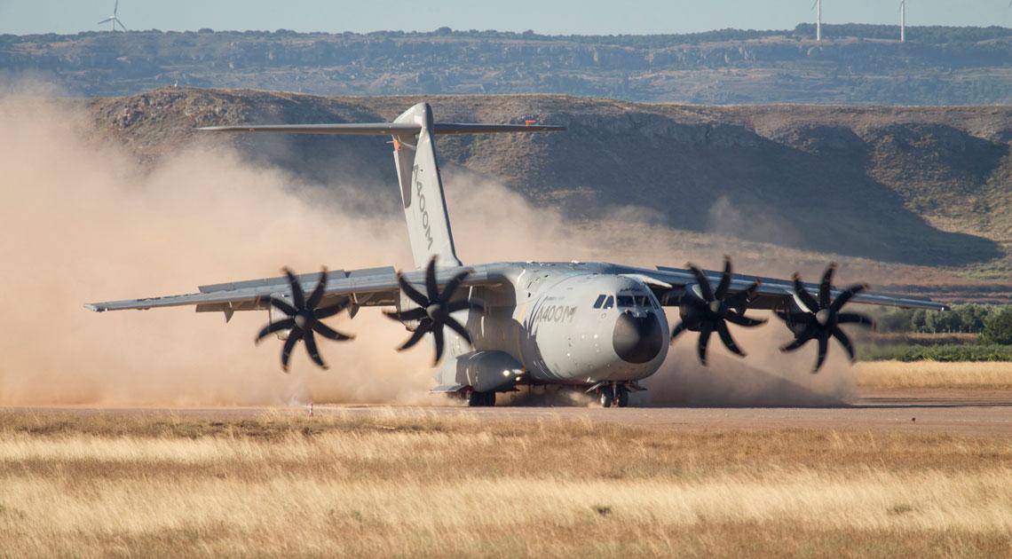 A400M to ciężki samolot transportowy produkowany przez firmę Airbus Defence and Space.