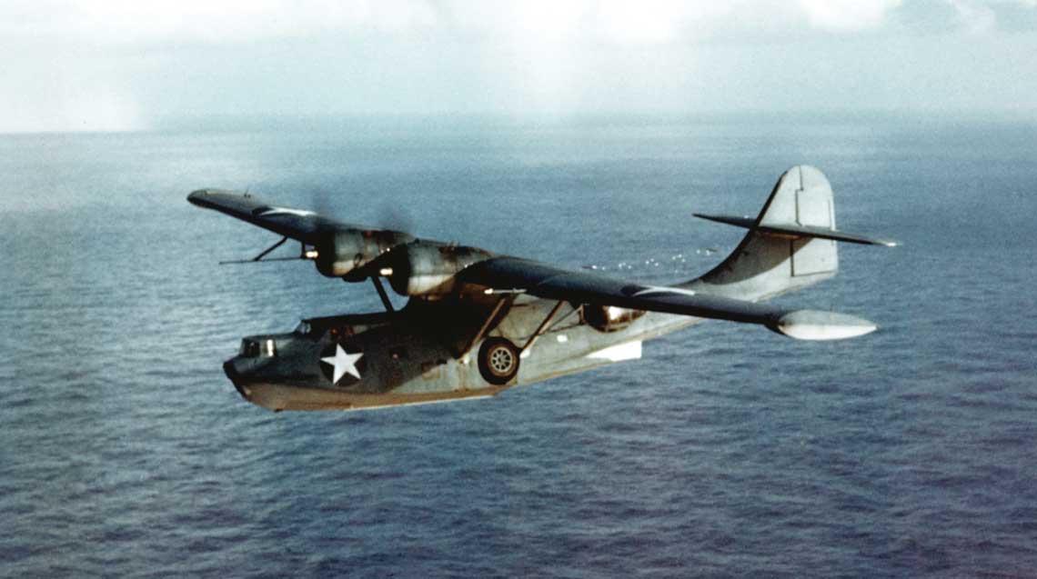Consolidated PBY-5A Catalina. Amerykańska patrolowa łódź latająca i samolot-amfibia. W latach 1935-1945 zbudowano 3281 maszyn tego typu.