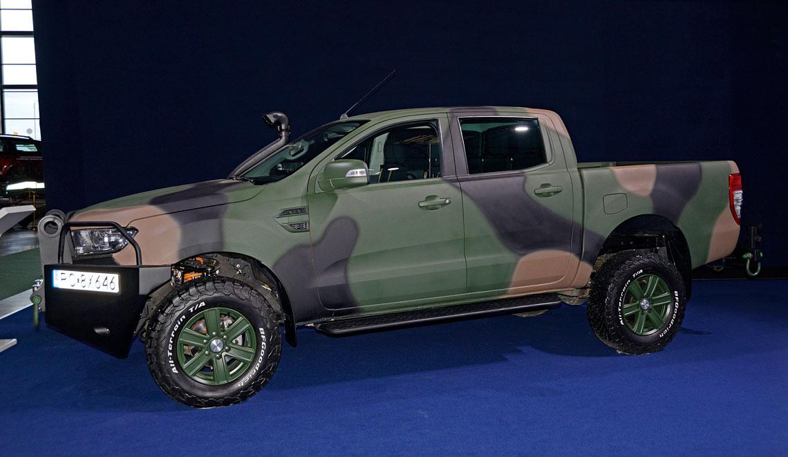 Samochody terenowe z nadwoziem pick-up stają się coraz popularniejsze wśród użytkowników wojskowych, m.in. dzięki ich sporej ładowności, podatności na modyfikacje, czy łatwość montażu różnego typu zabudów.  W takim układzie był Ford Ranger, oferowany w poprzednim postępowaniu przez PGZ i WZM.