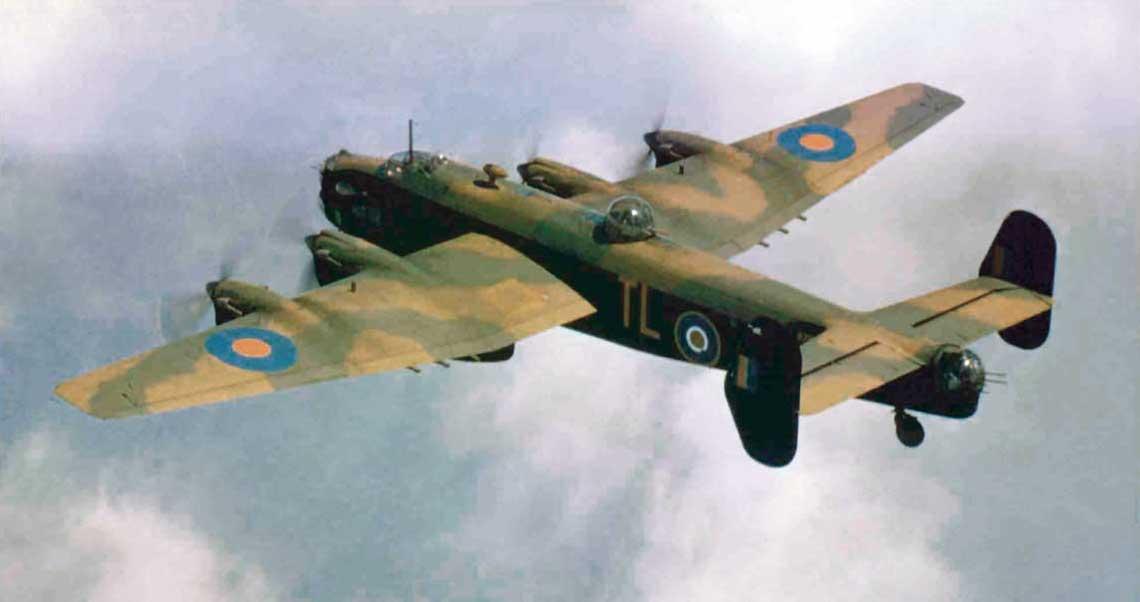 Samolot bombowy Handley Page Halifax | Wydawnictwo militarne ZBIAM