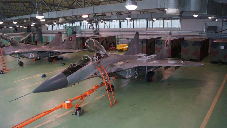 Nowy rząd Bułgarii wstrzymał procedurę zakupu następców MiG-ów-29, nowy program ma objąć zakup wyłącznie fabrycznie nowych samolotów. Fot. Łukasz Pacholski.