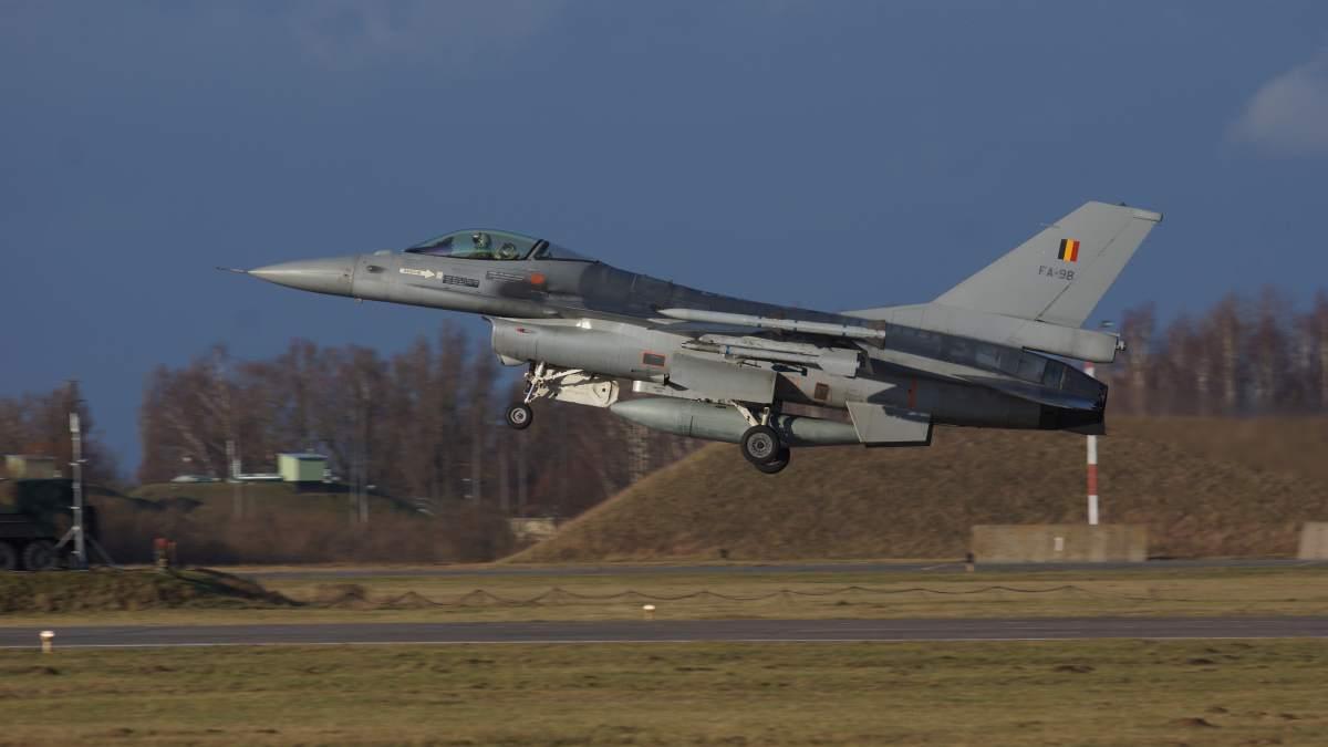 Belgowie kupią 34 nowe samoloty bojowe, które zastąpią obecnie eksploatowane F-16AM/BM. Z rywalizacji wycofali się już Boeing i Saab. Fot. Łukasz Pacholski.