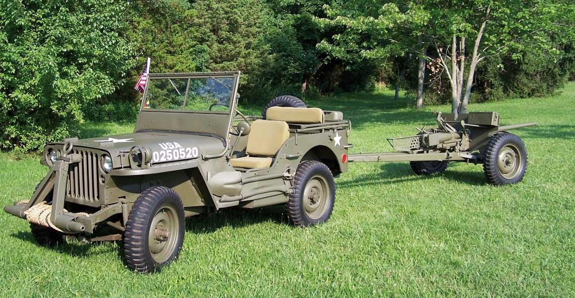 Podstawowym ciągnikiem działa w batalionowych plutonach przeciwpancernych był popularny Willys MB (Jeep), zwany oficjalnie ¼ ton truck.