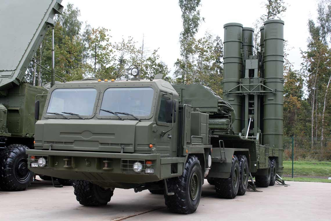 Wyrzutnia 5P85T3 systemu S-400 Triumf.