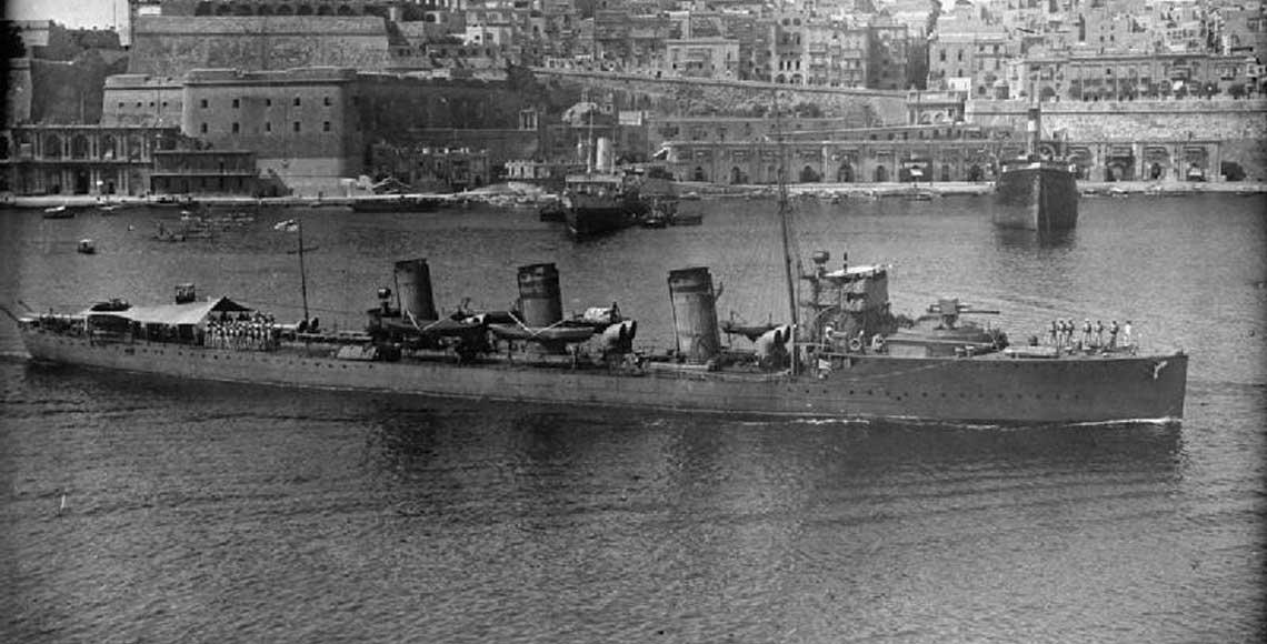 Jeden z pierwszych okrętów, nad którymi komendę objął Cunningham – niszczyciel Scorpion.