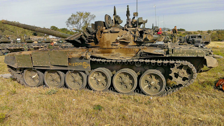 """T-72B3 """"612"""" uszkodzony na Donbasie wsierpniu 2014r. iewakuowany do Rosji."""