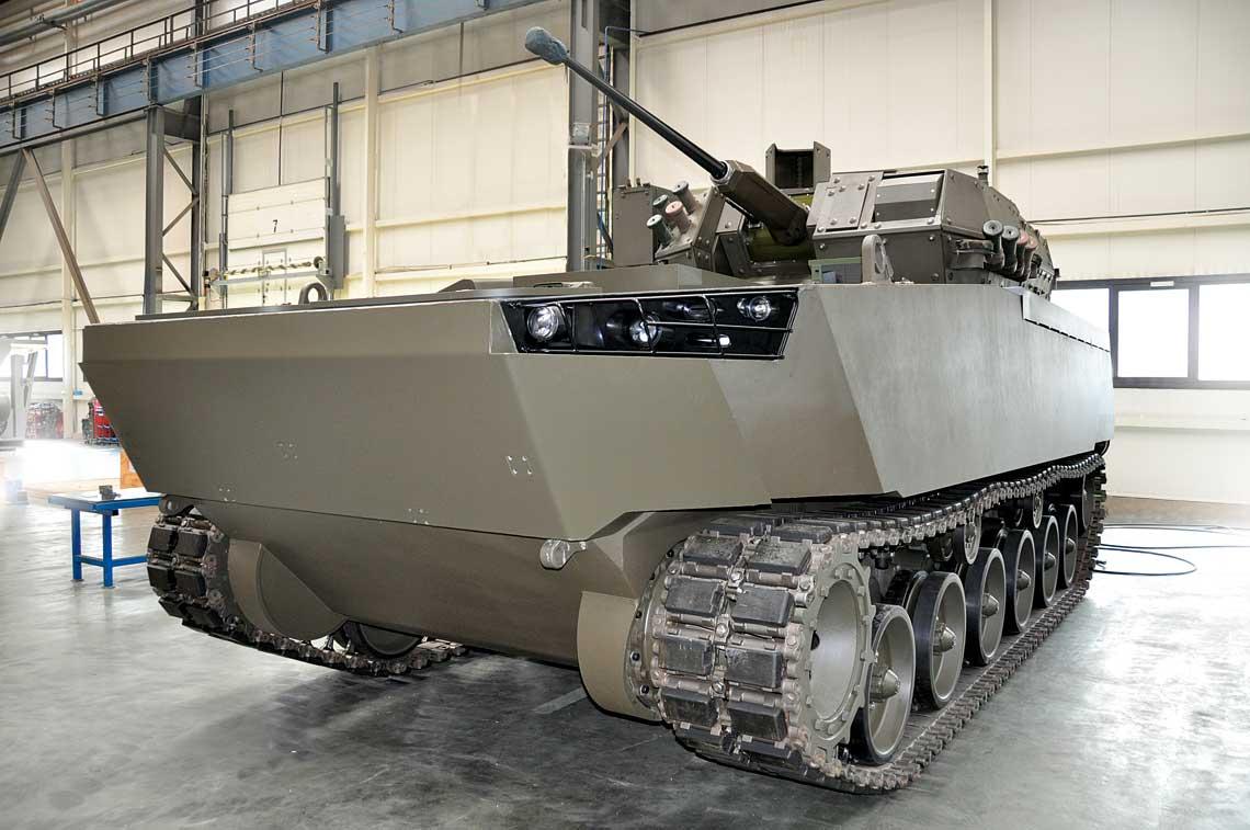 Model NBPWP Borsuk podczas finalnej fazy wyposażania w hali Huty Stalowa Wola S.A. Premiera pojazdu odbędzie się na tegorocznym MSPO w Kielcach.
