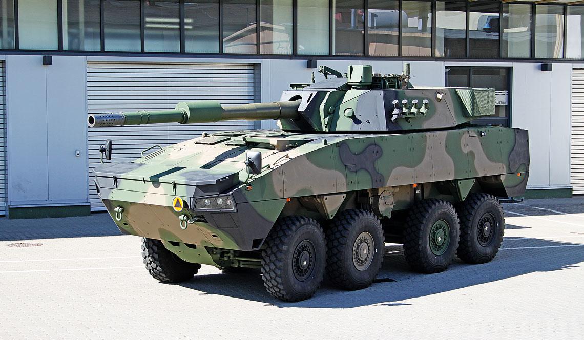 Demonstrator niszczyciela czołgów z wieżą Leonardo HITFACT 120. W charakterze nośnika wykorzystano wydłużonego o 50 cm Rosomaka 8×8, dodatkowa sekcja przybyła między 2 a 3 osią.