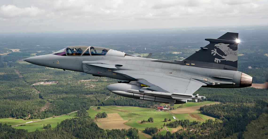 Demonstrator technologii samolotu wielozadaniowego Saab Gripen NG (Gripen Demo) po raz pierwszy wzbił się w powietrze 27 maja 2008 r. Maksymalna masa startowa samolotu została zwiększona do 16500 kg.