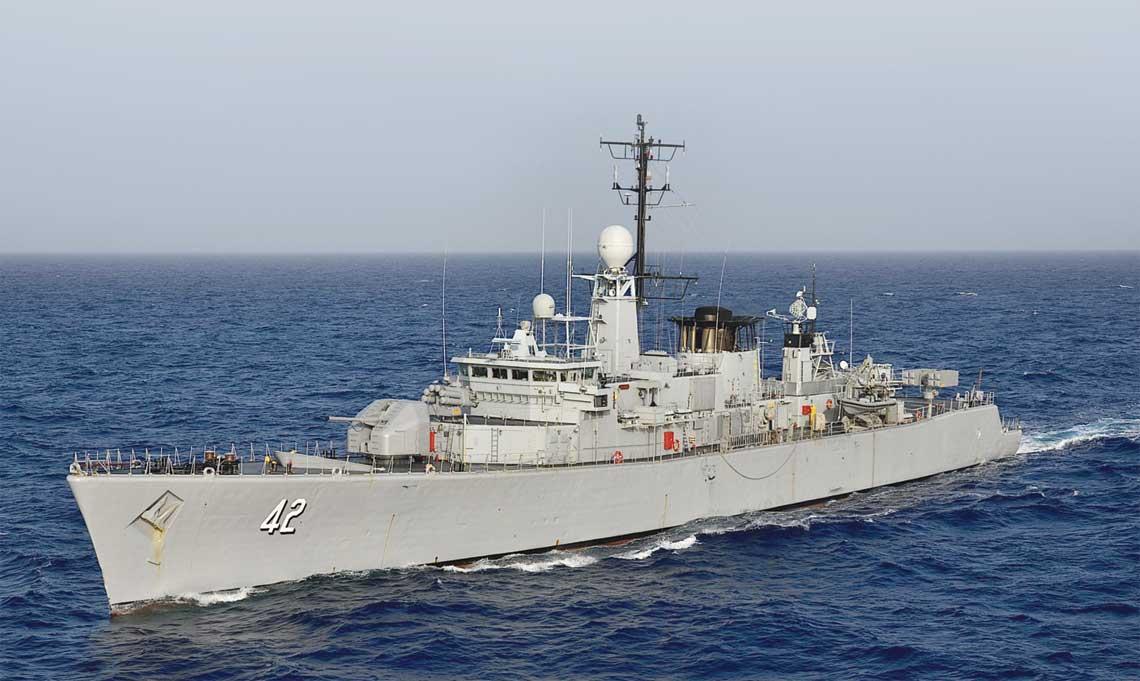 """Trzy ex-belgijskie fregaty, choć nie wzmocniły w istotny sposób sił morskich Bułgarii, pozwoliły im niemal """"z marszu"""" dołączyć do NATO na morzach. Na zdjęciu Werni. Fot. MO Bułgarii"""
