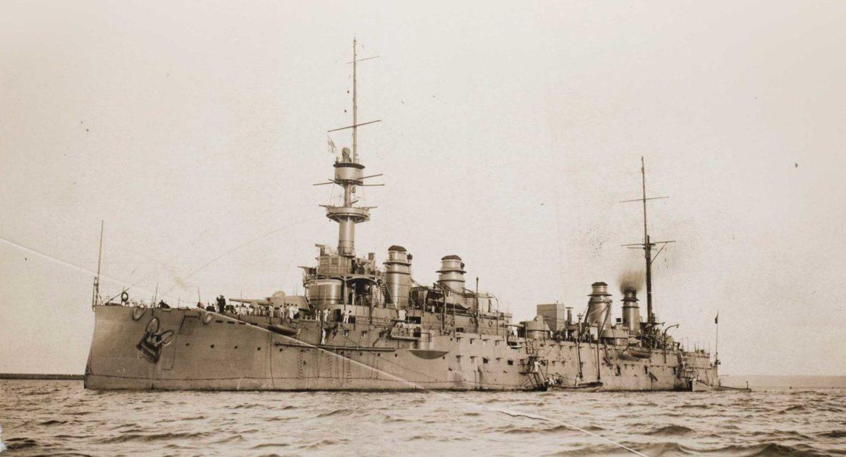Krążownik pancerny Gloire. zdjęcie wykonano prawdopodobnie tuż przed wybuchem I wojny światowej. Fot. tsushima.su