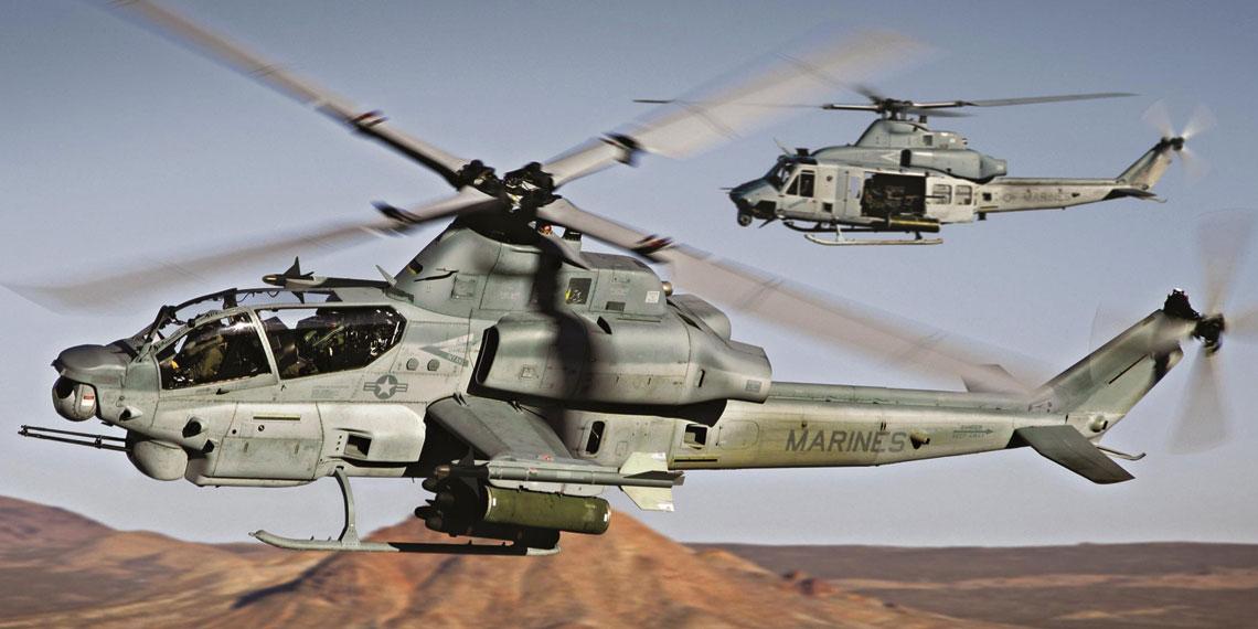 Śmigłowiec szturmowy AH-1Z – zwraca uwagę optoelektroniczna głowica obserwacyjno-celownicza III generacji, umożliwiająca skryte namierzanie celów z bardzo dużych odległości. Fot. Bell Helicopter