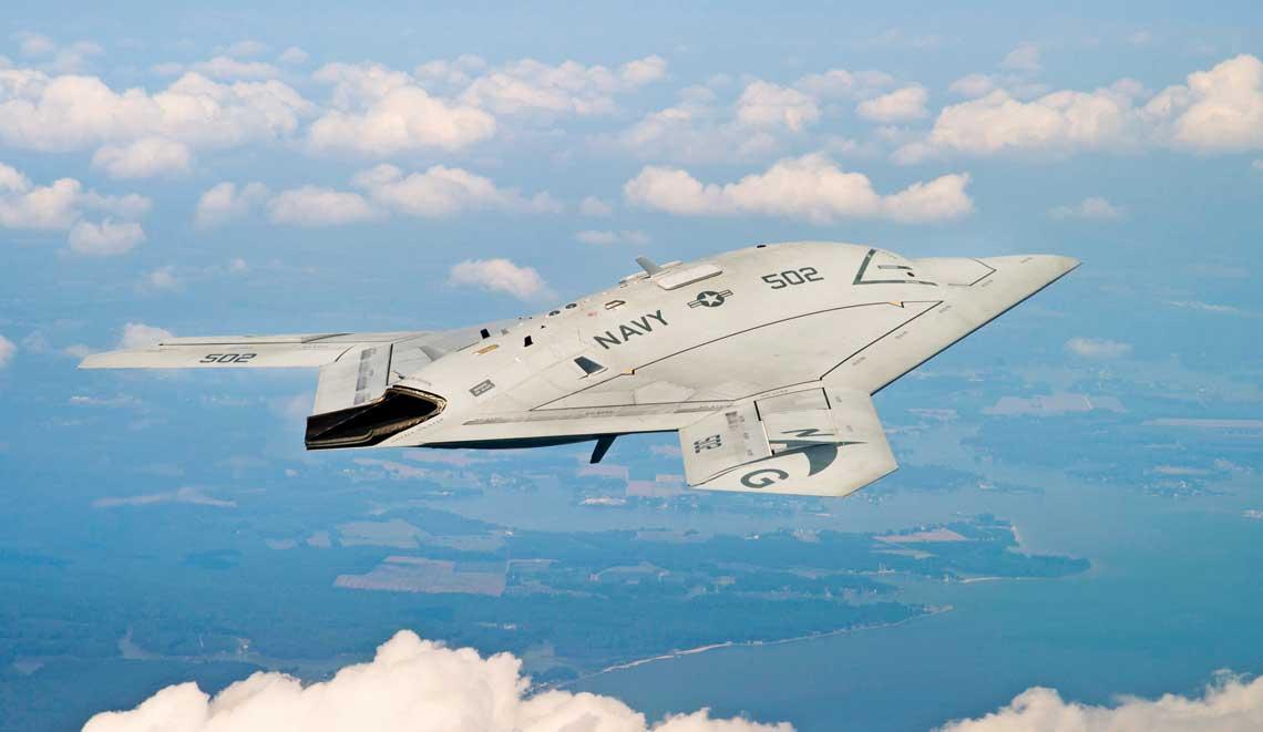 Udane proby X-47B sprawily, ze Northrop Grumman wydawał sie kandydatem na zwyciezce wprogramie bezzalogowcow pokladowych. Itak by pewnie bylo, gdyby nie zmiana zalozen.