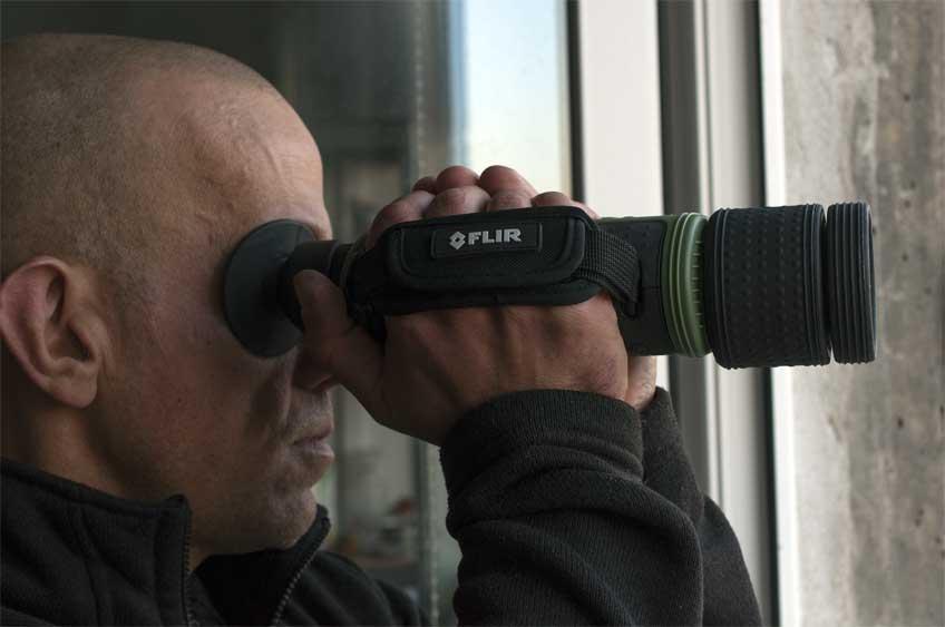 Podręczna kamera termowizyjna do zaawansowanych obserwacji