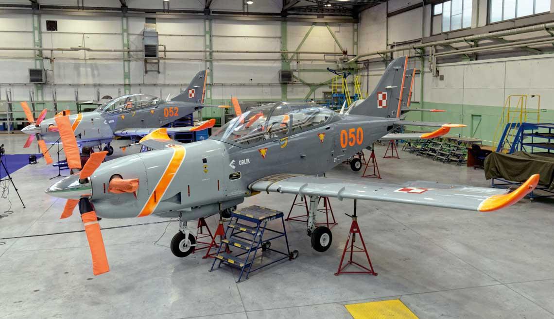 Pierwszy z 12 zmodernizowanych  Orlików TC-II Advanced ma zostac przekazany  Silom Powietrznym w kwietniu 2019r. Ma w nie  byc wyposazona 42. Bazy Lotnictwa Szkolnego w Radomiu.