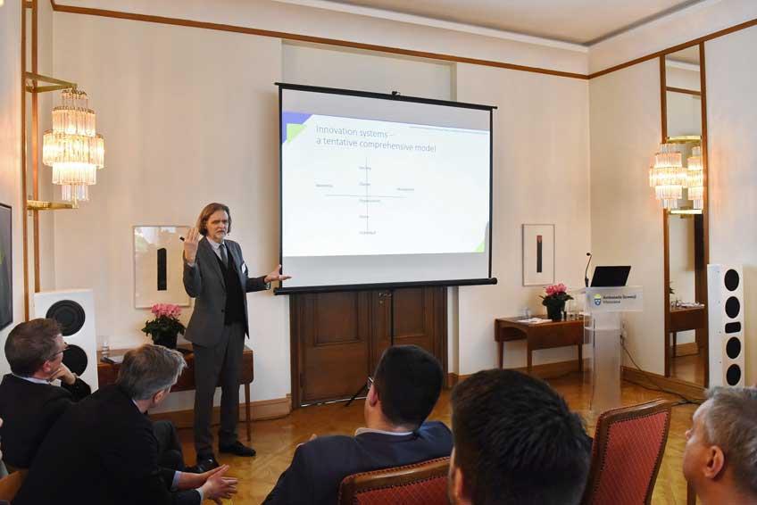 Seminarium na temat szwedzkiego podejścia do innowacyjności w przemyśle obronnym