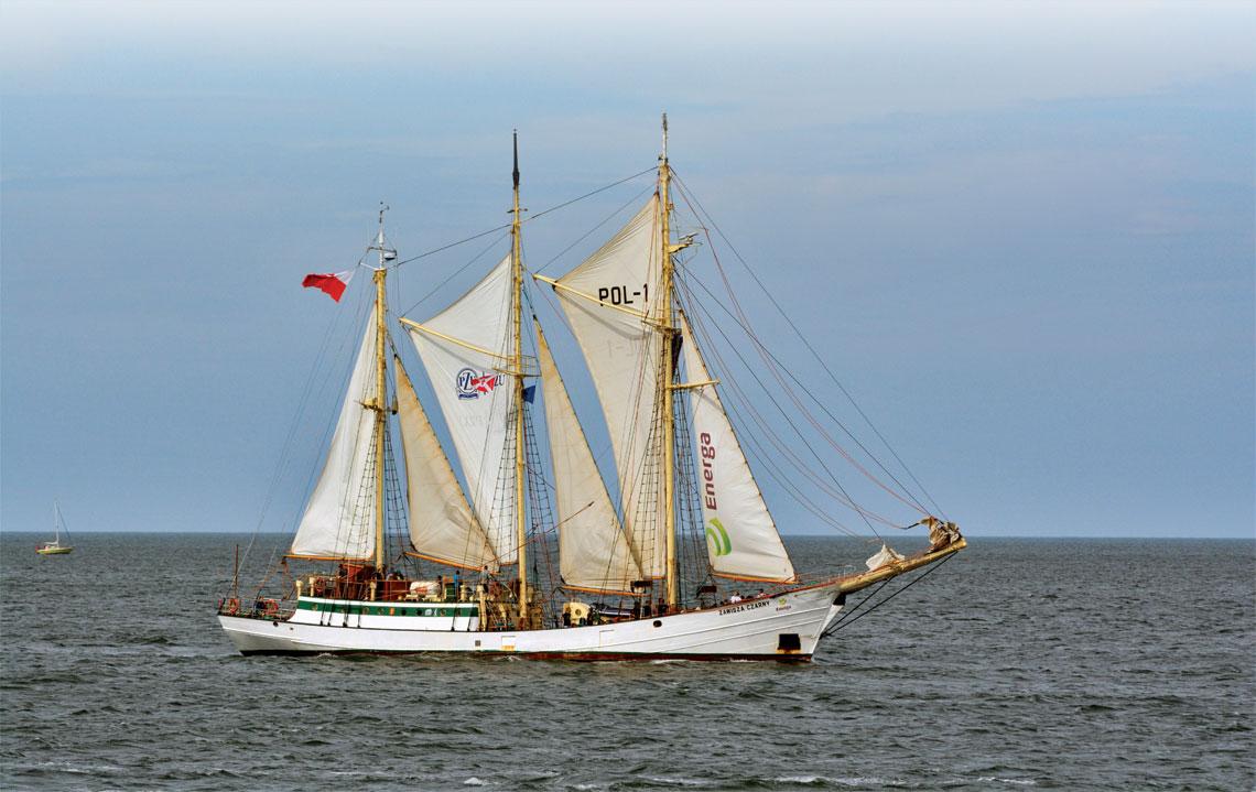 Zawisza Czarny na Zatoce Pomorskiej po zakonczeniu ubieglorocznego The Tall Ships` Races.