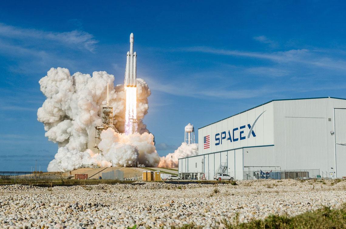 Falcon-Heavy. Debiut superciezkiej rakiety