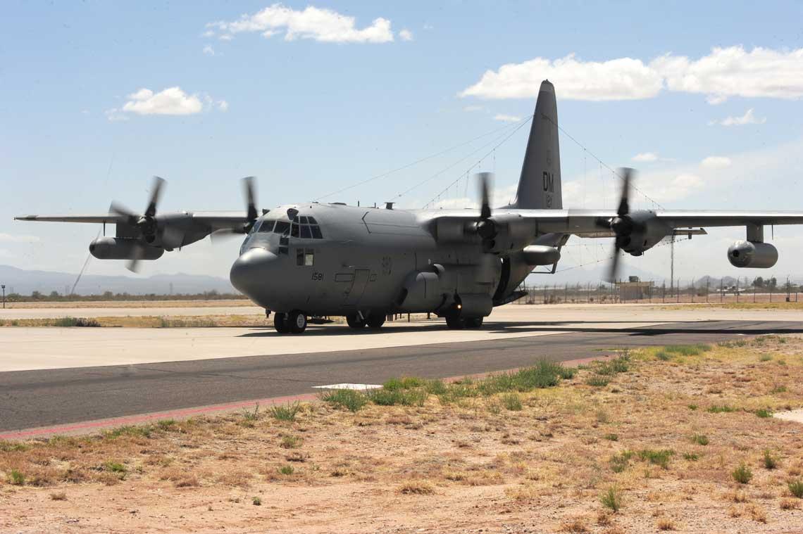 EC-130H Compass Call w Davis-Monthan AFB w Arizonie. Jest to baza macierzysta grupy walki elektronicznej 55th ECG, ktora dysponuje 14 samolotami tego typu.
