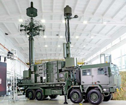 Prototypowa stacja systemu PET/PCL na nosniku wysokiej ladownosci imobilnosci Jelcz P882.53 wukladzie 8×8.