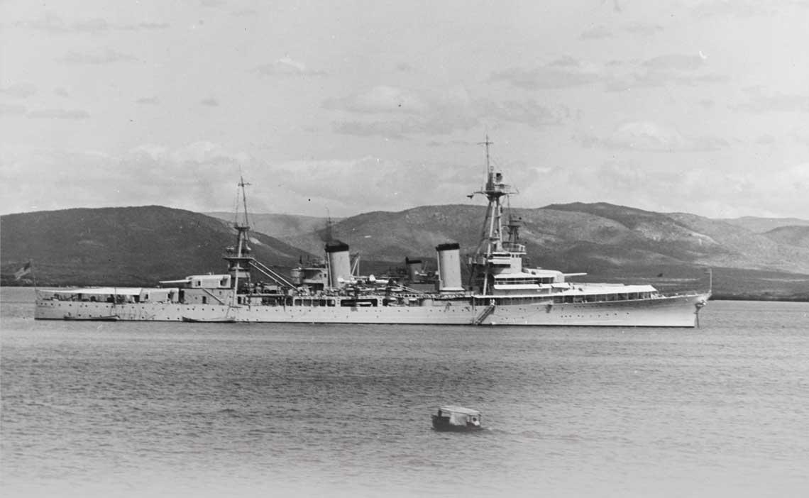 Pierwszy krazownik waszyngtonski US Navy – USS Pensacola na zdjeciu z poczatku lat 30.