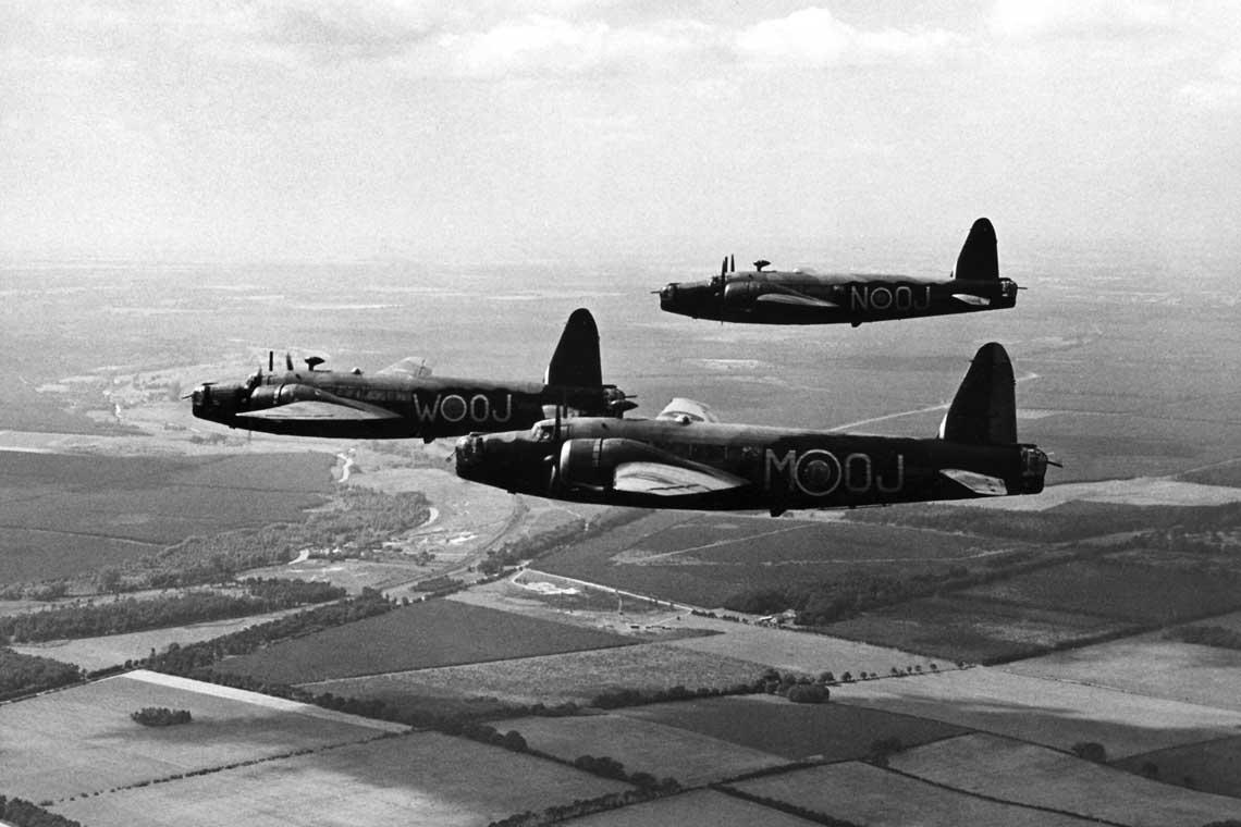 Wellington pierwszej wersji produkcyjnej – Mk IA. Bombowce te byly pozbawione bocznych stanowisk strzeleckich, co bezwzglednie wykorzystali niemieccy piloci mysliwscy podczas walk powietrznych prowadzonych pod koniec 1939 r.