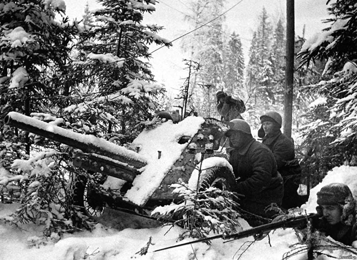 Sowiecka 45 mm armata przeciwpancerna wz. 1937.