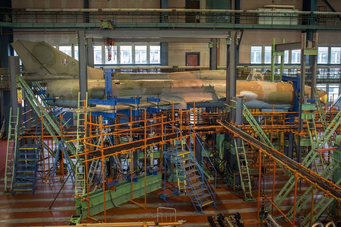 Osiemnascie odrzutowych samolotow bojowych Su-22 przeszlo proces remontow weryfikacyjnych, ktore pozwola na ich dalsze uzytkowanie w Silach Powietrznych.