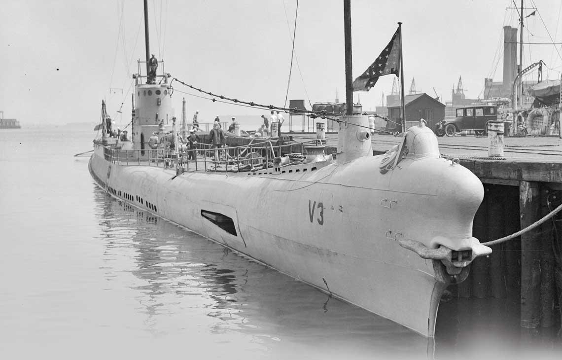 Bonita w Charlestown Navy Yard  w Bostonie w 1927 r. Mozna zauwazyc,  ze przynajmniej czesc kadluba