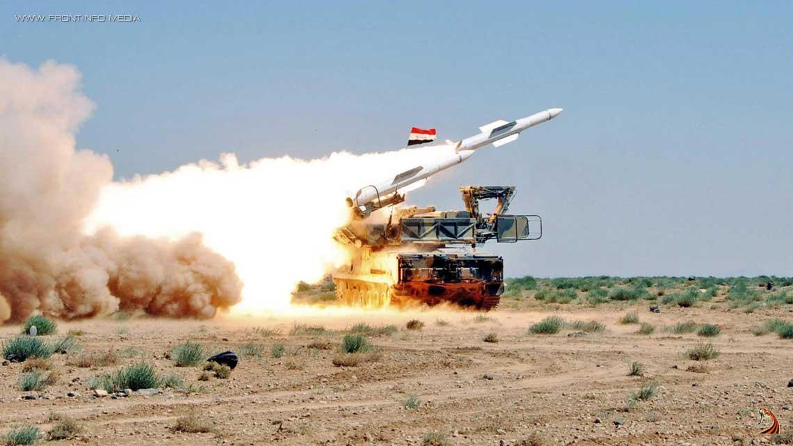 Odpalenie pocisku kierowanego 9M317E z pojazdu startowo-transportowego 9A316E przeciwlotniczego systemu rakietowego 9K317E Buk-M2E Sil Zbrojnych Syryjskiej Republiki Arabskiej podczas cwiczen OPL w 2012 r.