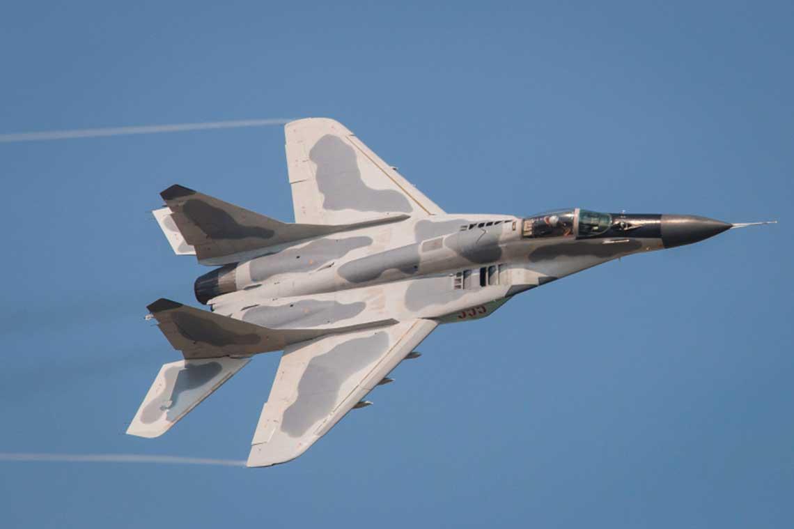 Licencyjna produkcja seryjna samolotow mysliwskich MiG-29 w wersji 9.13 w KRLD miala byc uruchomiona w pierwszych latach dziewiecdziesiatych ubieglego wieku.