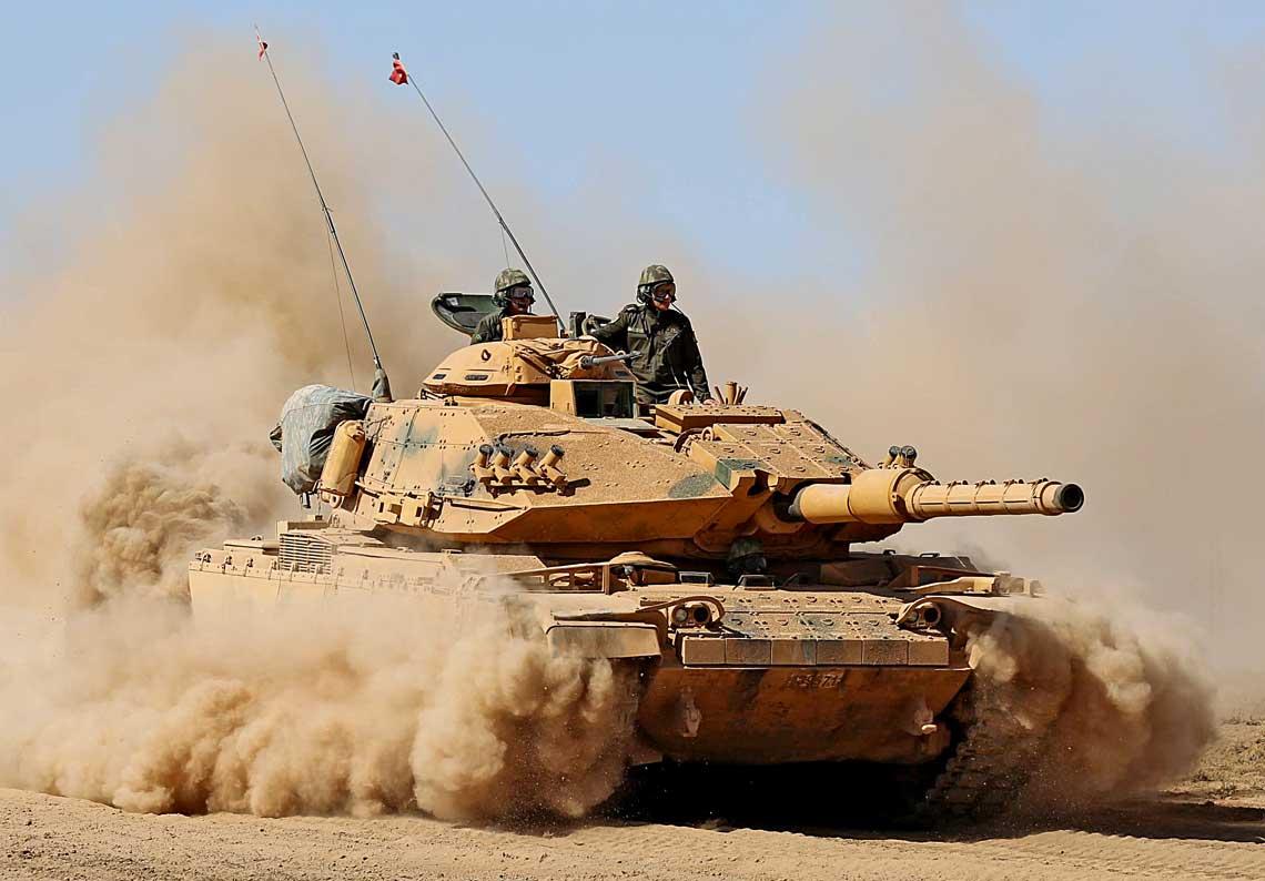 Turecki czolg M60T – na zdjeciu w czasie operacji w okolicach Afrinu w polnocnej Syrii – stanowi przyklad udanej modernizacji wozu M60A1 przeprowadzonej w XXI wieku.
