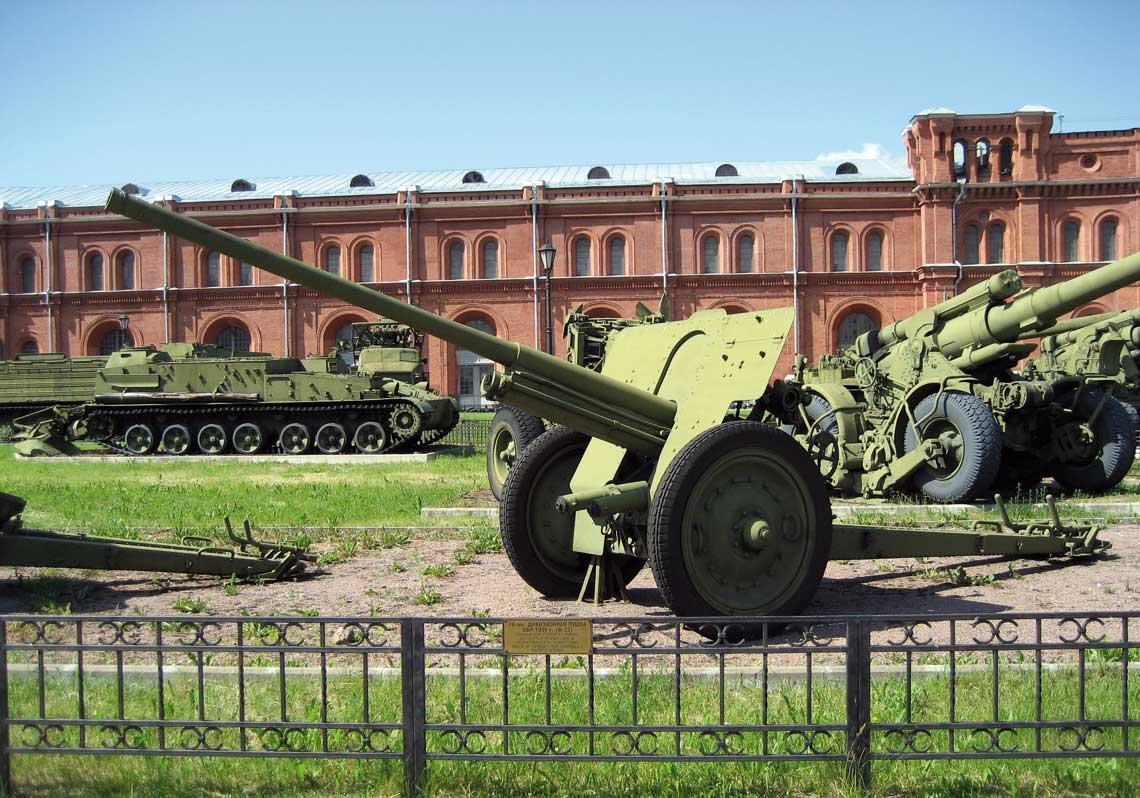 76,2 mm armata dywizyjna wz. 1936 byla pierwszym dzialem opracowanym pod kierunkiem W. G. Grabina.