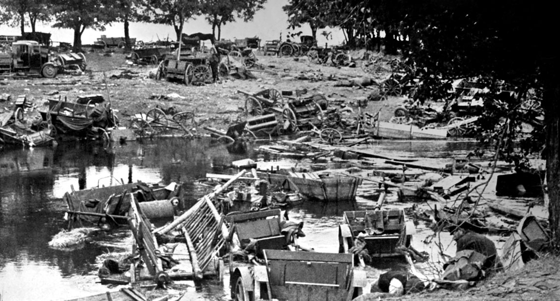 """Celem bitwy nad Bzura w 1939 r. bylo zmuszenie Niemcow do zaprzestania poscigu za odchodzacymi do wschodniej Polski armiami """"Prusy"""", """"Lublin"""", """"Krakow"""" i """"Karpaty"""". Bitwa ta miala wyjatkowe znaczenie, poniewaz Polacy wykazali inicjatywe i byli strona atakujaca."""