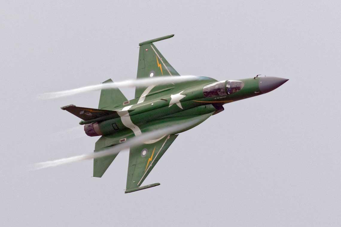 Do chwili obecnej zbudowano ponad  100 wielozadaniowych samolotow mysliwskich JF-17 Thunder.