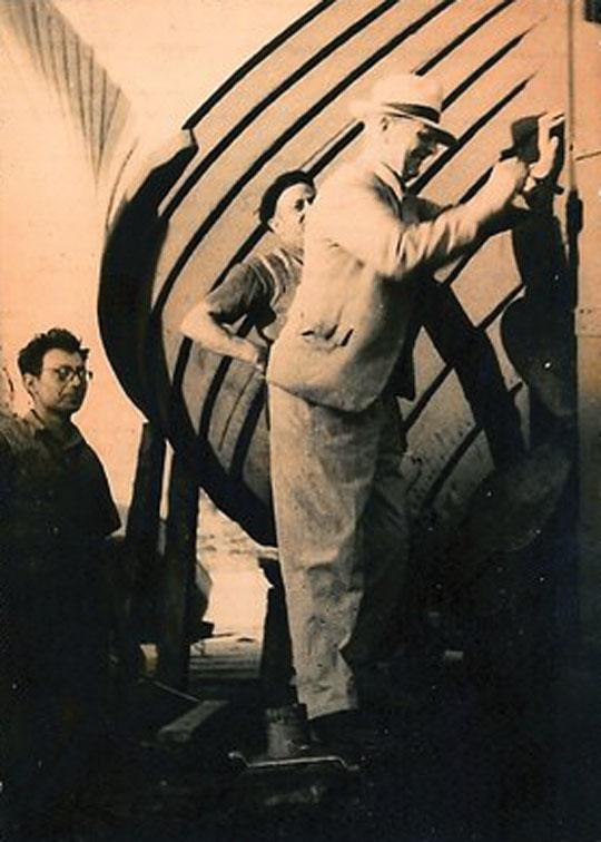 Inspekcja kutra rybackiego Kalew w porcie Agadir (Maroko) dokonywana przez Józefa Unruga.