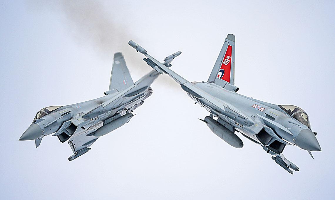 Eurofighter Typhoon to obecnie najlepiej sprzedajacy sie na swiecie europejski mysliwiec. Jakakolwiek konstrukcja powstanie na Starym Kontynencie w przyszlosci, bedzie bazowala na rozwiazaniach przetestowanych m.in. na tej platformie.