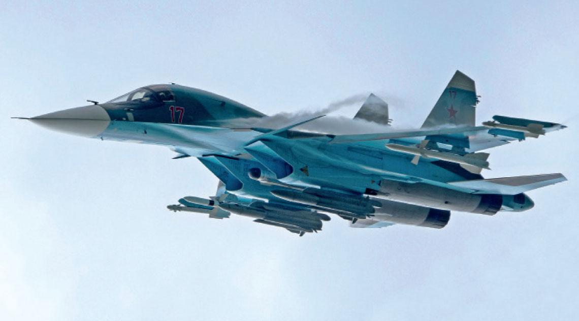 Rosyjskie sily powietrzne maja juz ponad 100 samolotow bombowych Su-34 i niedlugo dostana pierwsze w zmodernizowanej wersji Su-34M.