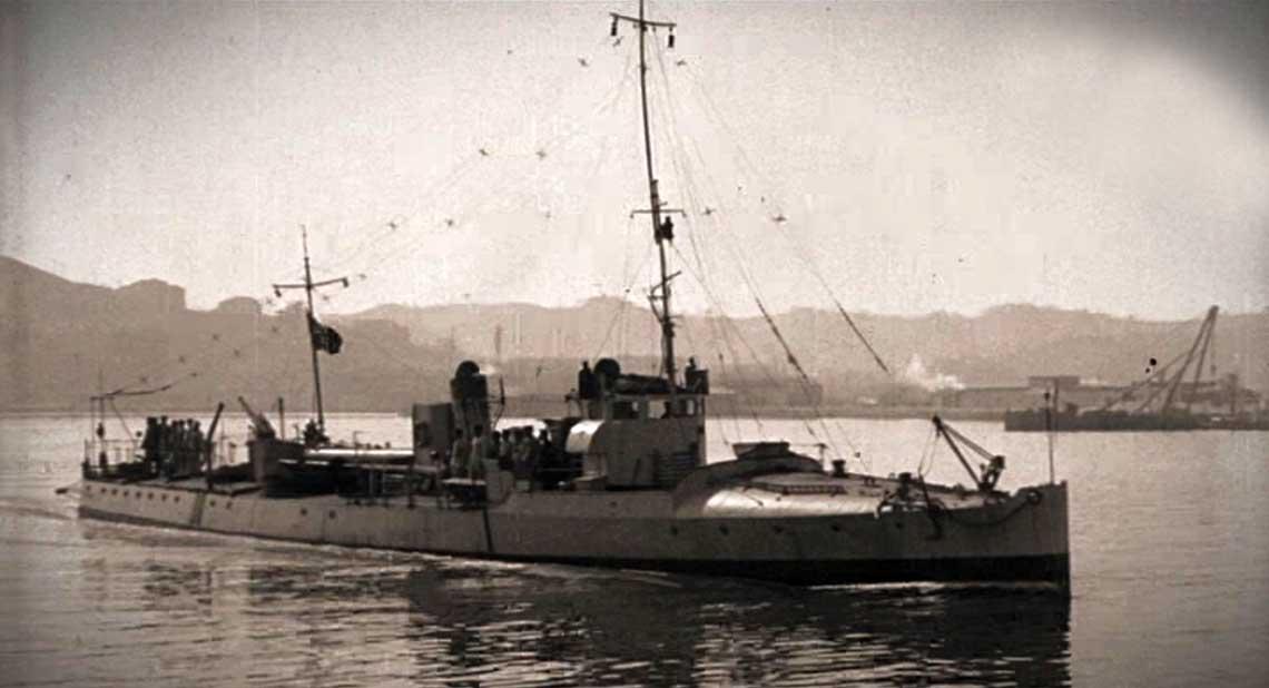 Torpedowiec typu PN, jeden z poziejszej serii, o numerach od 64 do 69. Okrety, na ktorych Sauro najczesciej pelnil role pilota, byly niemal identyczne. Fot. Luce