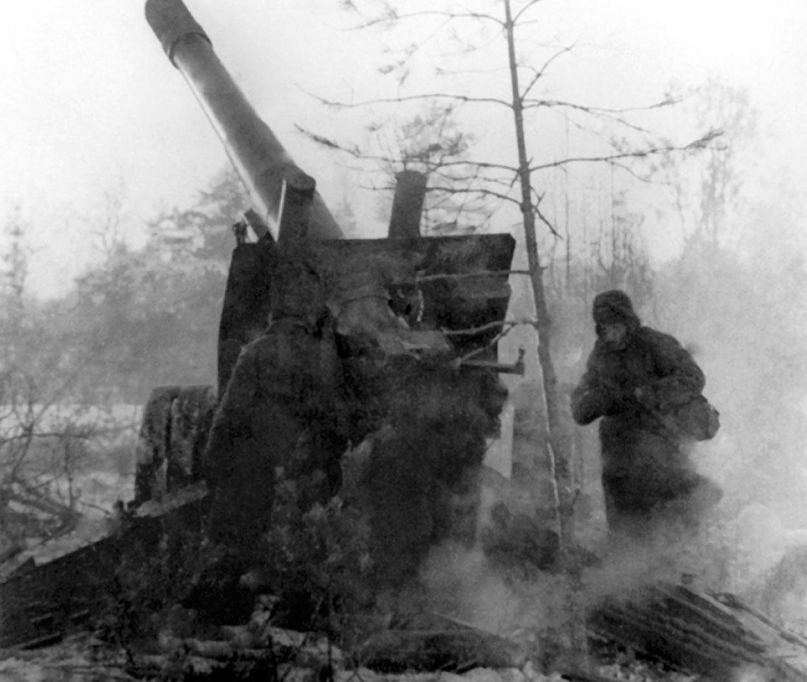 Radziecka 152 mm haubicoarmata wz. 1937 (MŁ-20) byla jednym z najbardziej znanych dzial drugiej wojny swiatowej. Wytwarzano ja w Fabryce Artylerii nr 172 w Permie. W latach 1937-1946 wyprodukowano 6884 dziala tego typu.