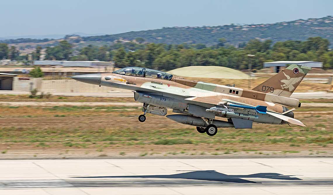 Eksizraelskie F-16C/D Barak 2020 mialy stac sie trzonem chorwackiego lotnictwa, jednak brak zgody na transfer ze strony Stanow Zjednoczonych spowodowal 11stycznia 2019r. zakonczenie rozmow na temat tej transakcji.