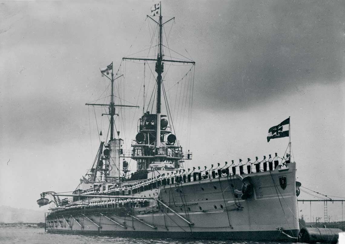 Pancernik Kaiser, ktory nadal nazwe najdluzszej serii niemieckich drednotow. Liczyla ona piec jednostek.