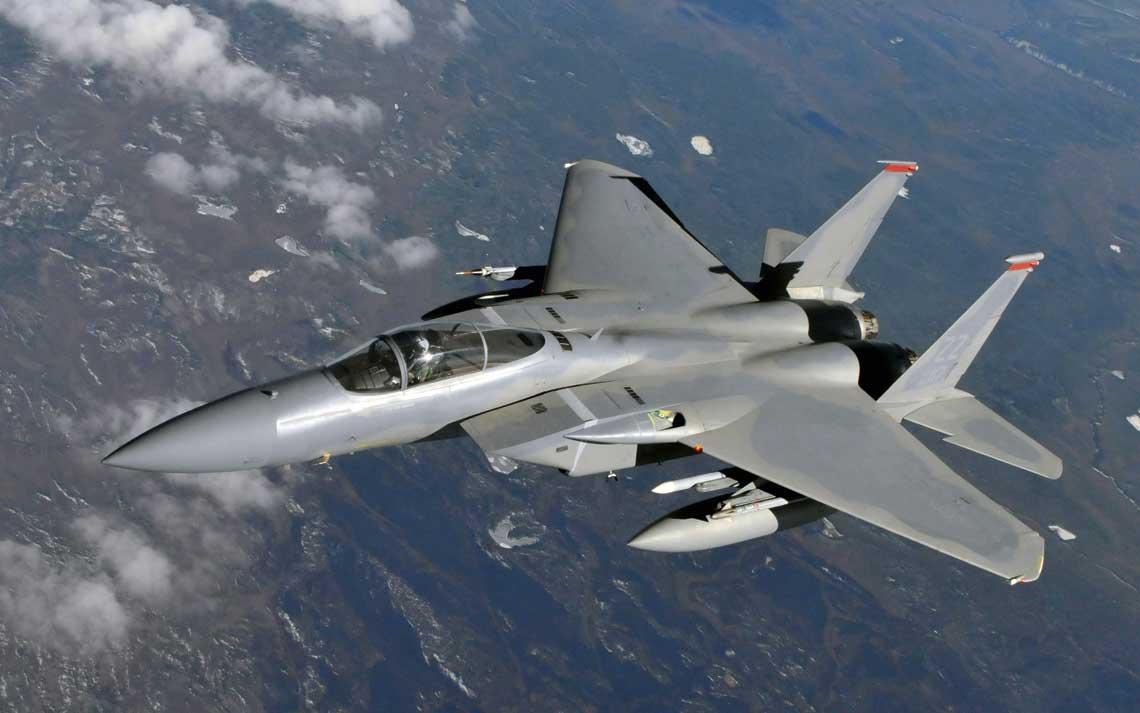 """F-15C Eagle z 67th Fighter Squadron USAF podczas międzynarodowych cwiczen lotniczych  """"Red Flag-Alaska""""; 27 kwietnia 2010 r. Fot. Shannon Collins"""