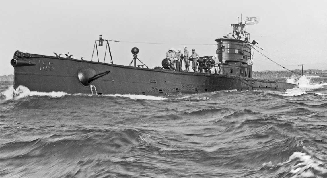 S-44 w trakcie rejsu do Filadelfii w stanie Pennsylwania. Zdjecie wykonane w strefie Kanalu Panamskiego okolo lutego 1943 r.