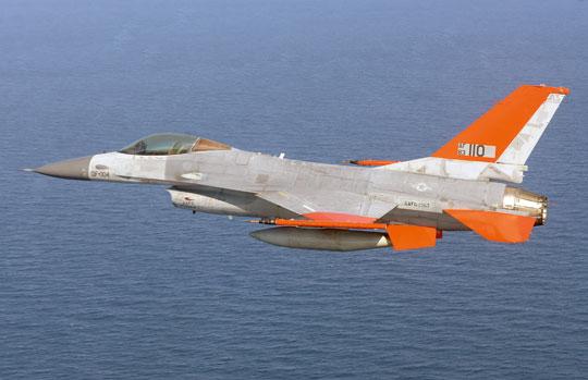 F-16 z rezerw USAF, w tym wszystkie F-16C/D, są sukcesywnie przebudowywane na latające cele QF-16.