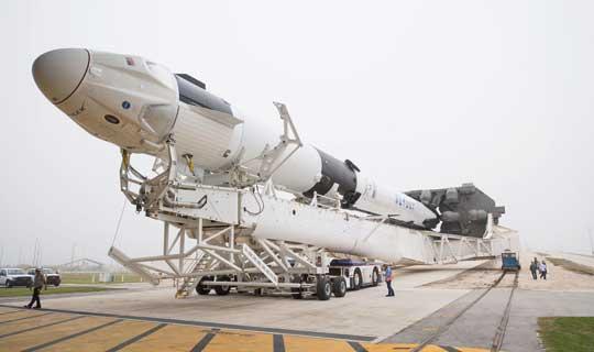 Crew Dragon to stacja kosmiczna z kabiną wielokrotnego użytku, która jednak w lotach dla potrzeb NASA, nie będzie używana ponownie.