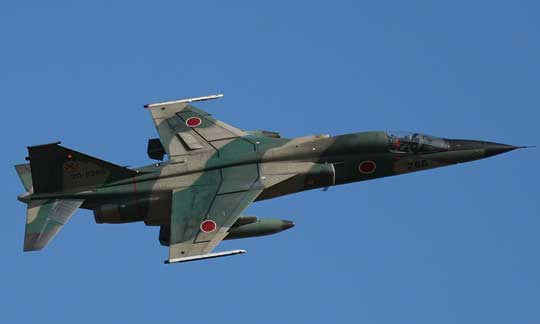 W latach 1977-1987 wyprodukowano 77 samolotów myśliwsko-bombowych F-1. Były one używane razem z samolotami szkolno-bojowymi T-2. Obie konstrukcje wycofano z eksploatacji w 2006 r.