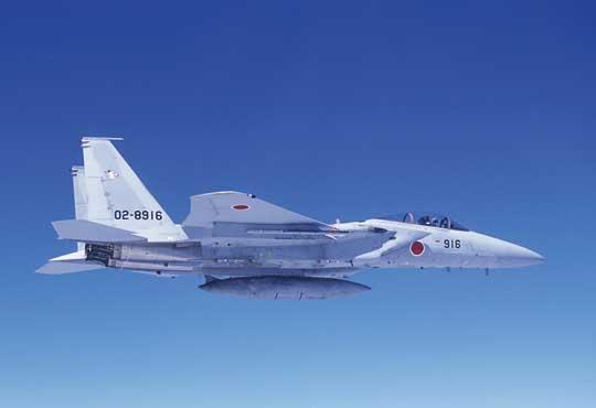 Dziś podstawowymi samolotami bojowymi japońskiego lotnictwa wojskowego są myśliwce F-15J Eagle.