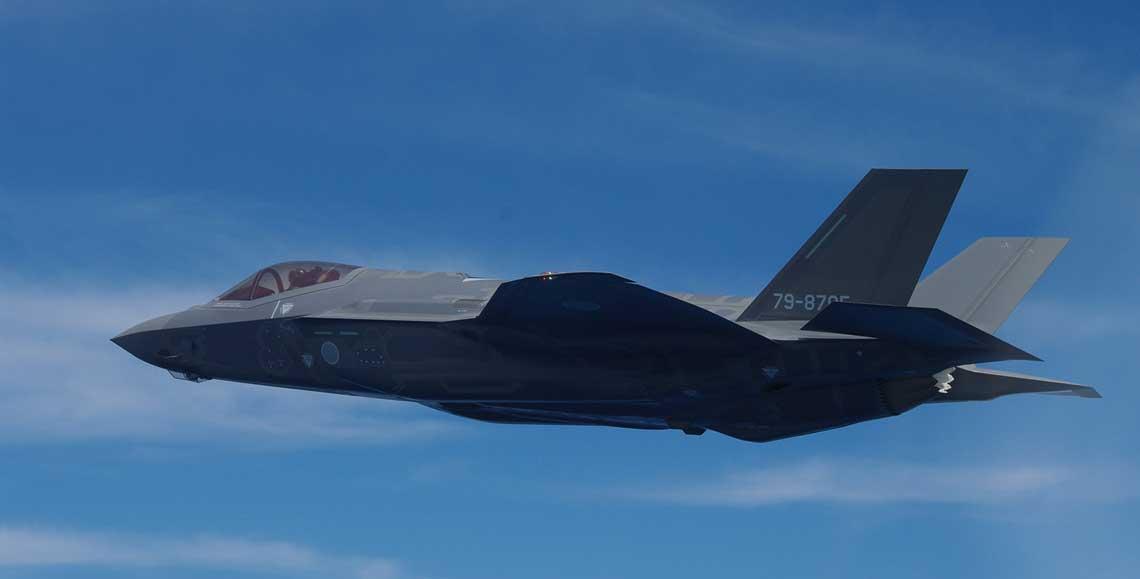 W 2018 r. Japonia zdecydowała o zakupie dodatkowych 105 samolotów F-35. Zamawiając ogółem 147 samolotów myśliwskich F-35 Japonia stanie się drugim po Stanach Zjednoczonych największym użytkownikiem F-35 na świecie. Na trzecim miejscu będzie Wielka Brytania z 138 myśliwcami F-35.