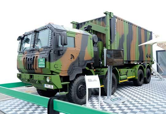 Po zaprzestaniu przez MAN-a produkcji linii SX, IVECO Astra SM jest ostatnią zachodnioeuropejską ciężarówką, którą można określić jako typowo militarną. Tu jako pojazd logistyczny z hakowym systemem załadowczym PPLOG (Porteur Polyvalent Logistique) dla francuskich wojsk lądowych. Zabudowę osprzętu wykonała firma Soframe.